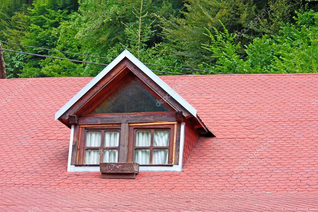 Finestra sul tetto foto stock boris15 8855309 for Finestra nel tetto