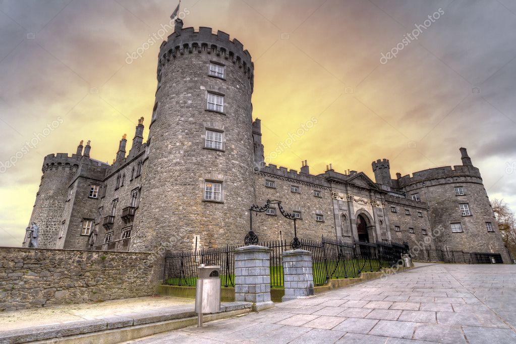 Kilkenny Castle at dusk