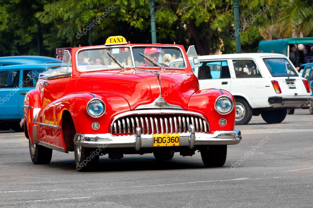 Old classic american car in the streets of Havana – Stock Editorial ...