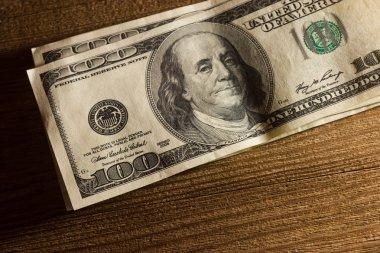 100 banknotes