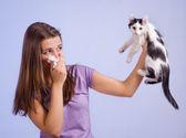 alergická na kočky