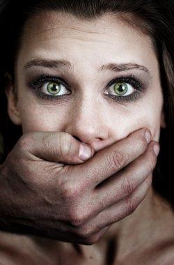 kadın kurban, Aile içi şiddet korkusu
