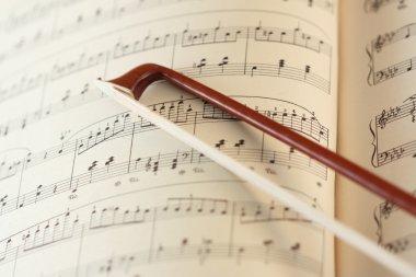 Fiddlestick on the music sheet
