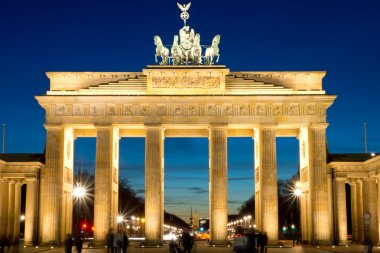 The Brandenburg Gate at dawn