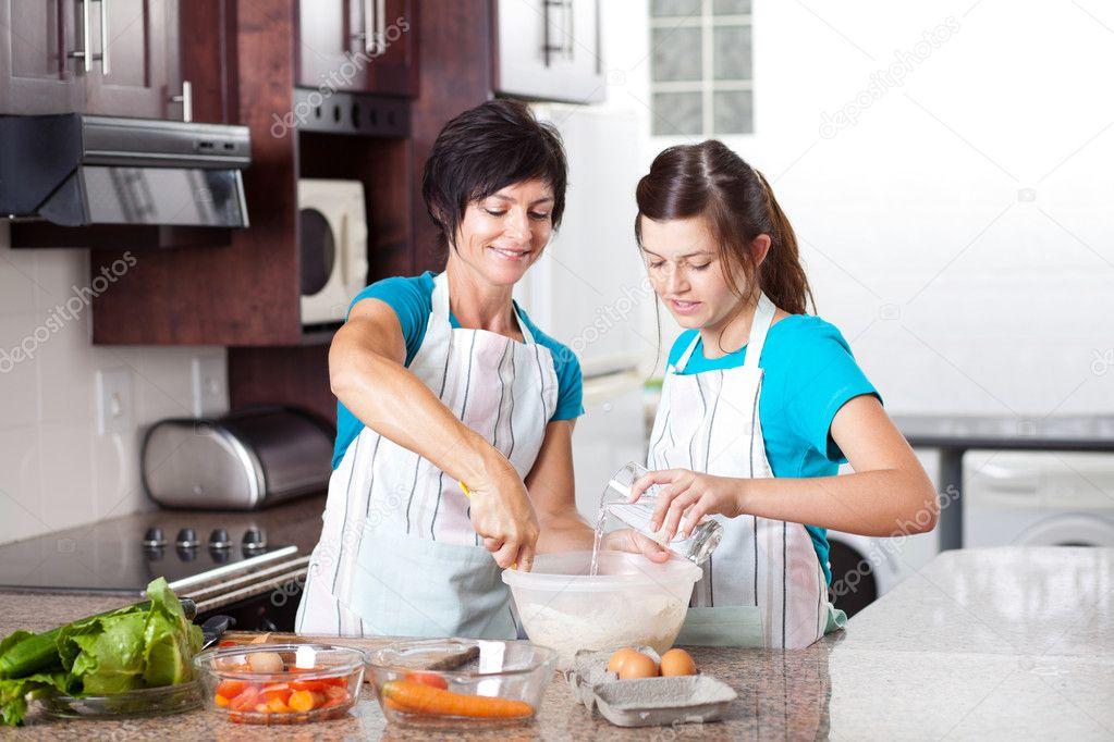 Mi mujer cocinando - 2 4