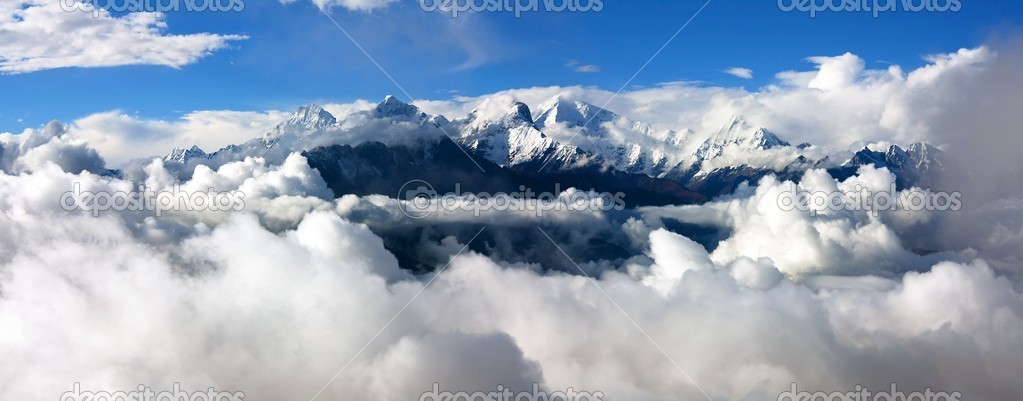 Panoramatic view from langtang to ganesh himal
