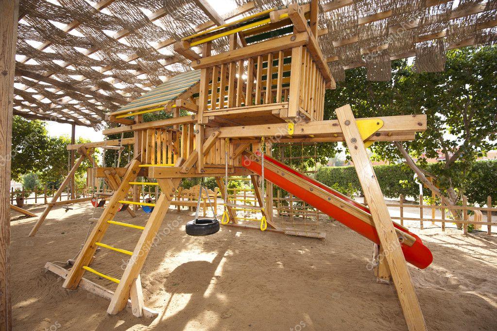 Klettergerüst Kinder Outdoor : Klettergerüst in eine kinder spielecke u2014 stockfoto © paulvinten #8068457