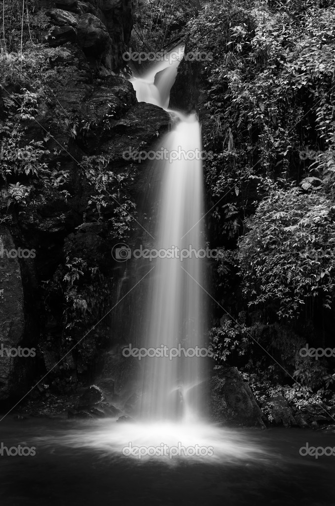 Mon Tha Than waterfall Black and White