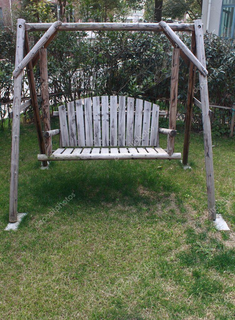 Chaise Balancoire Dans Le Jardin Photographie Kevinjin C 9745204