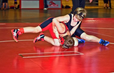 Youth Wrestlers in Tournament