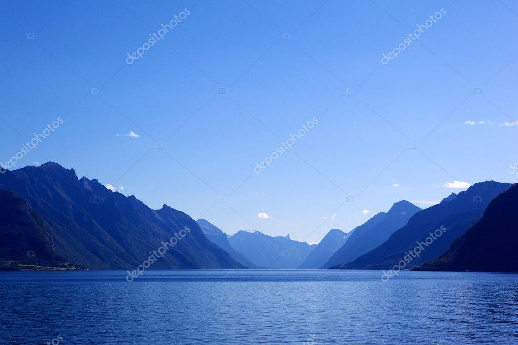 Gradient color mountains