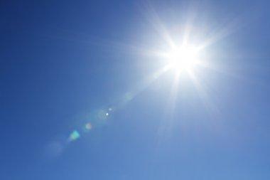 "Картина, постер, плакат, фотообои ""Сияющее солнце на чистое небо с копией пространства"", артикул 10381788"