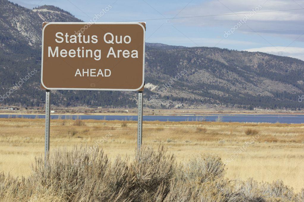 área Del Statu Quo Reunión Signo Adelante Series Camino