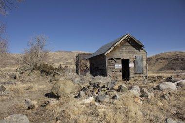 Old abandoned delapitating shack