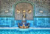 Gyönyörűen szobor, a híres Gellért fürdőbe