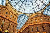 Fotografia the galleria vittorio emanuele ii,  milan - italy