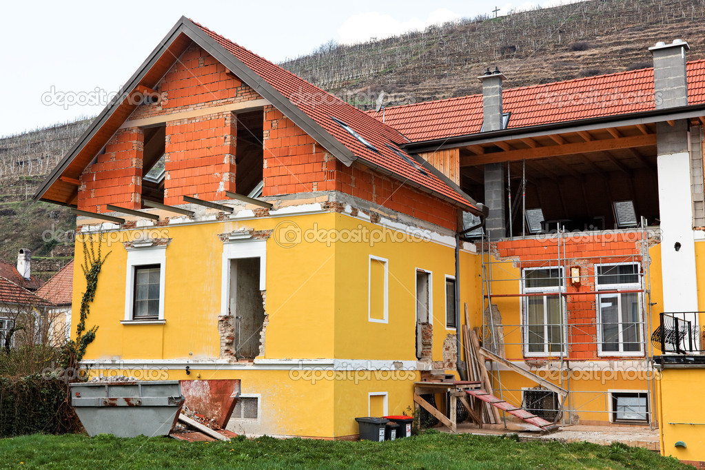 En modernisering aan het remodelleren van een oud huis u2014 stockfoto