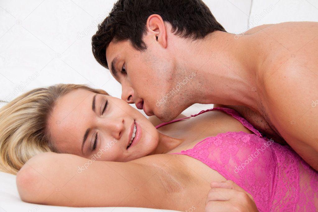 keira knightley nahá v hedvábí odizolování při sexu