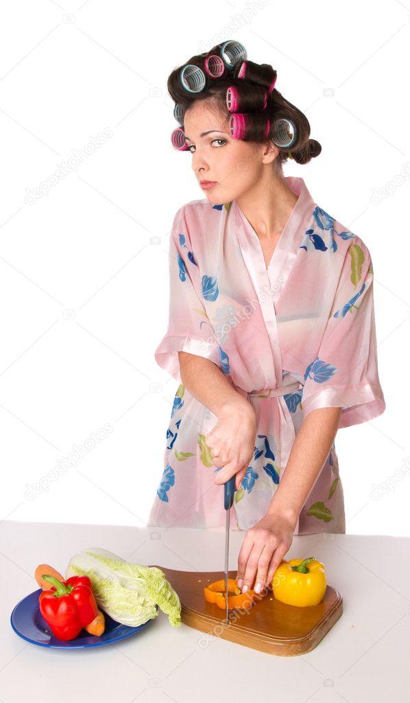 Блондинка фото домохозяйка в халате скрытой камерой