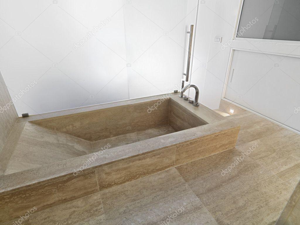 Vasca Da Bagno Marmo : Vasca da bagno di marmo in bagno moderno u foto stock