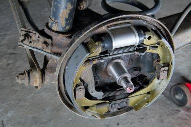 New brake pads and cylinder brake drum