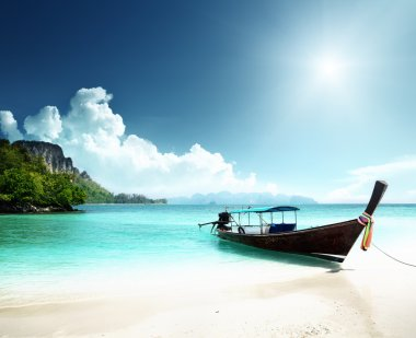 """Картина, постер, плакат, фотообои """"длинный остров на лодке и под водой в таиланде постеры картины фото черно-белые"""", артикул 10486957"""