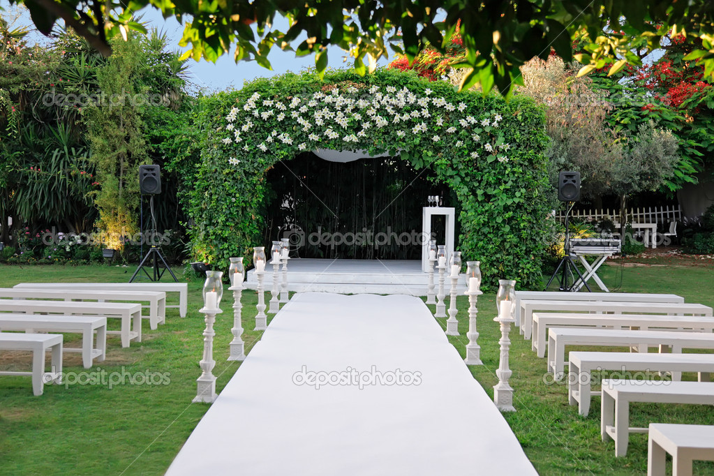Outdoor wedding ceremony canopy (chuppah or huppah) u2014 Stock Photo & Outdoor wedding ceremony canopy (chuppah or huppah) u2014 Stock Photo ...