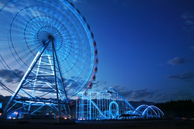 Observation wheel and rollercoaster