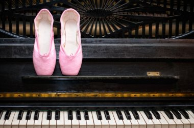 Pointe and piano
