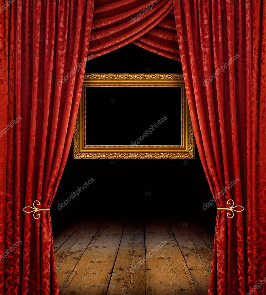 cortinas rojas y marco dorado u imagen de archivo