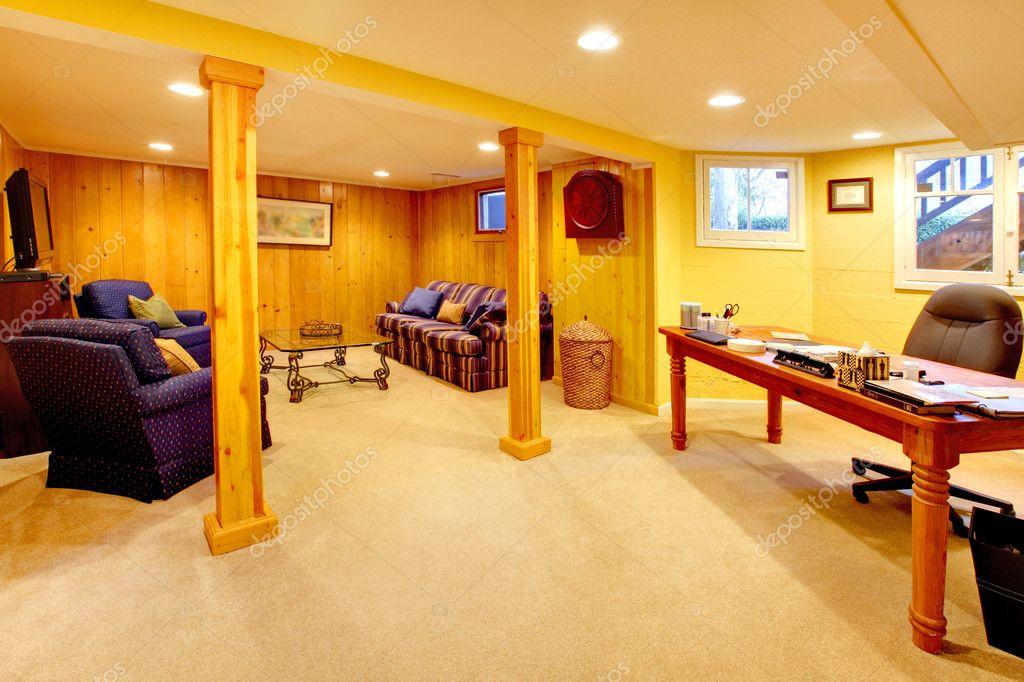 Chambre familiale sous sol avec espace bureau à domicile