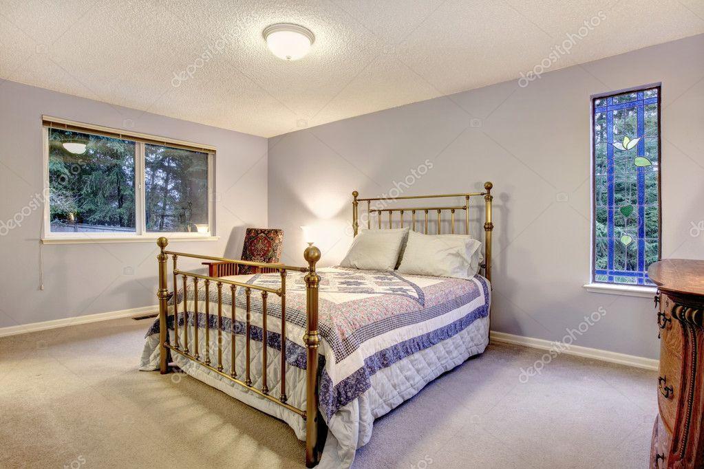 Azul Simple Dormitorio Con Cama De Estructura Metálica