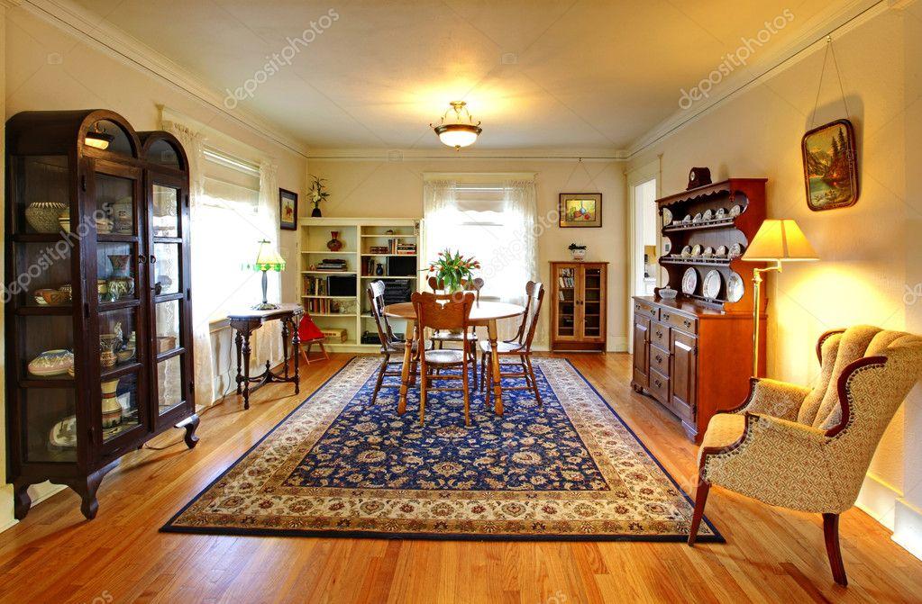 maison de mignon ancienne salle manger style anglais photo