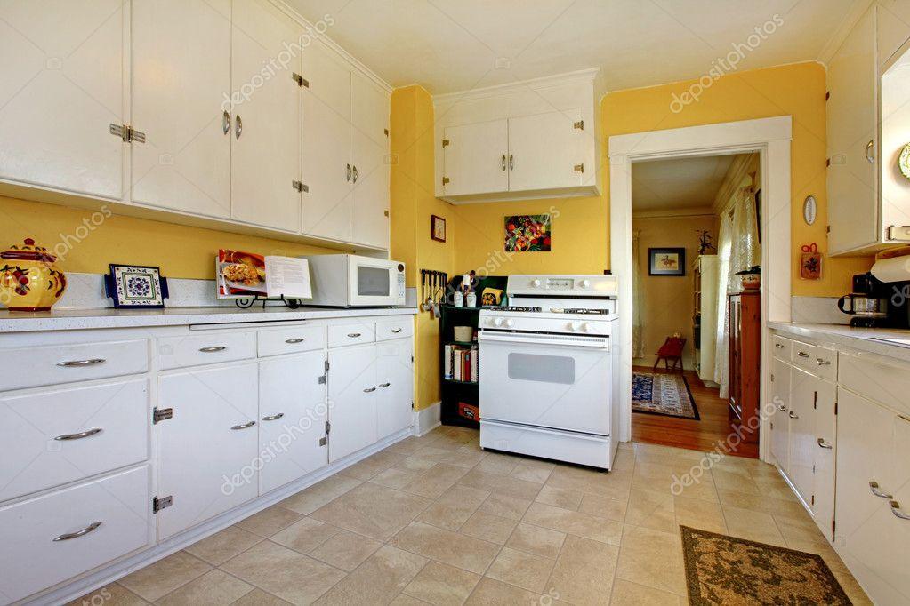 Englische Küche alte weiße englische küche interieur stockfoto iriana88w 9359973
