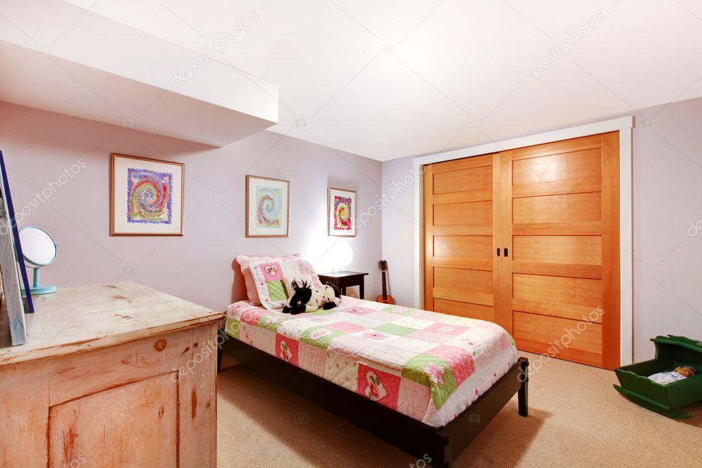 Kinder Mädchen Schlafzimmer im pinnk — Stockfoto © iriana88w #9582788