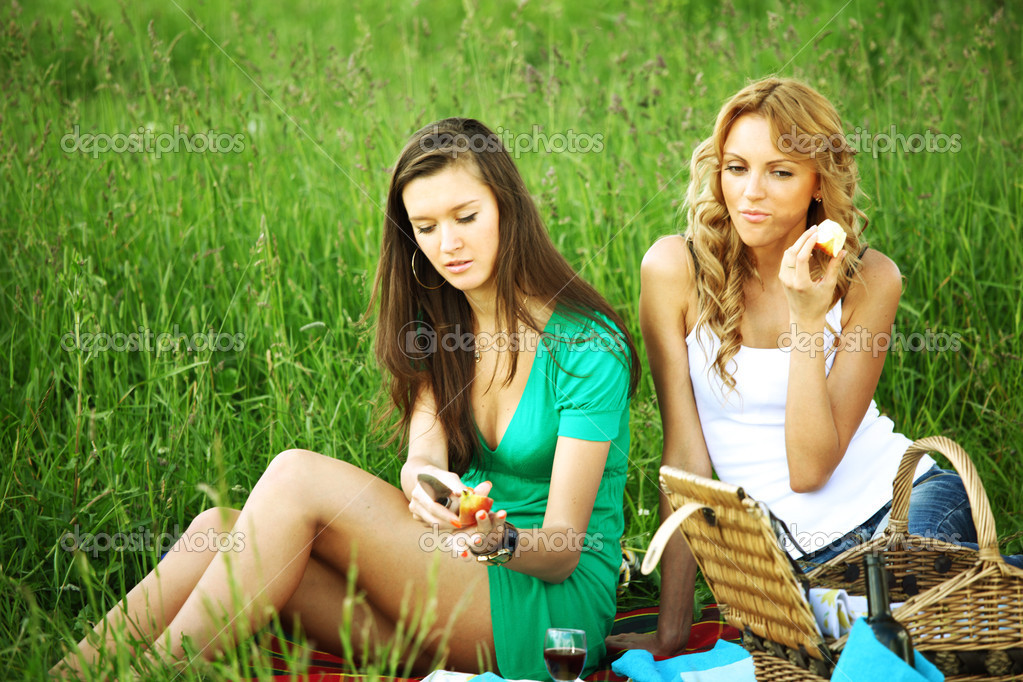 заболел сыпняком, подруга отсосала на пикнике фото девочка