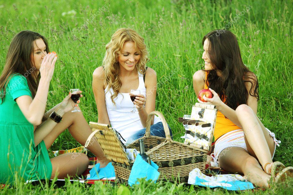 подруга отсосала на пикнике фото нас