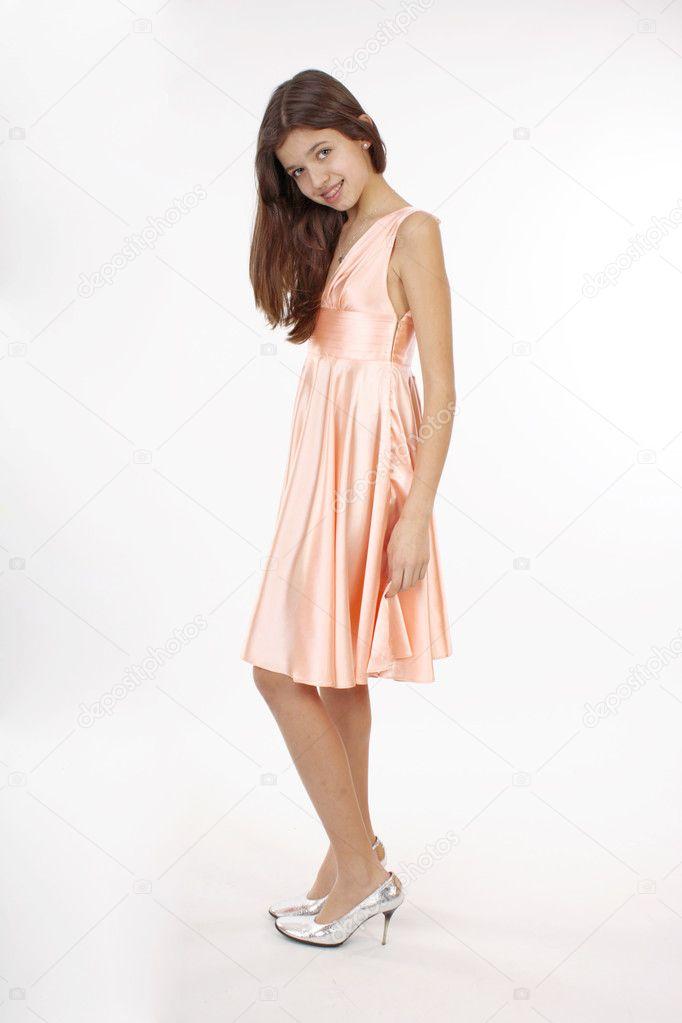 e8cb26749be8d1 mooie tiener meisje in roze jurk — Stockfoto © SophiDante  9850888