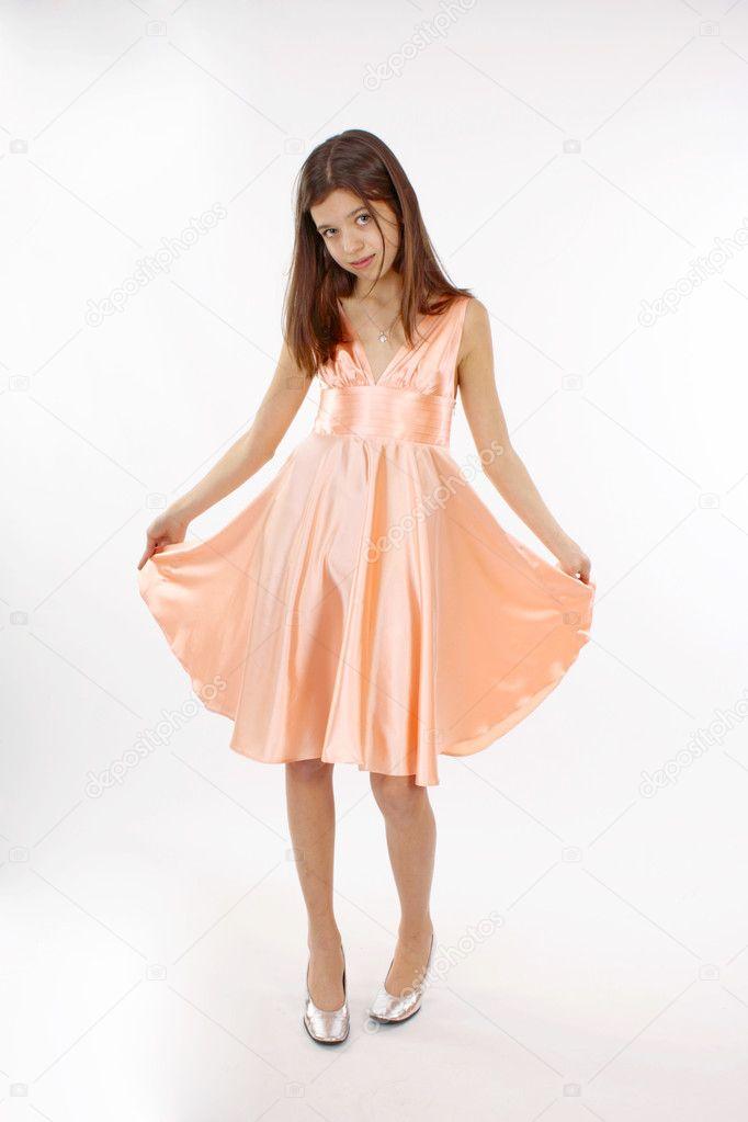 39a087faa4dfb0 mooie tiener meisje in roze jurk — Stockfoto © SophiDante  9850889
