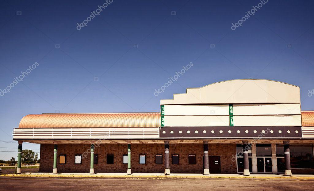 Film theater gebouw buitenkant u2014 stockfoto © duha127 #8140685