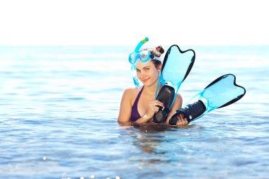 şnorkel ekipmanları ile kız