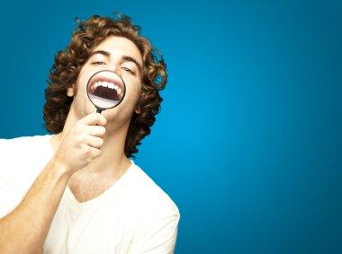 Man showing teeths