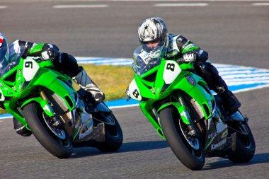 Araujo(8) and Cruz(9) pilots of Kawasaki Ninja Cup