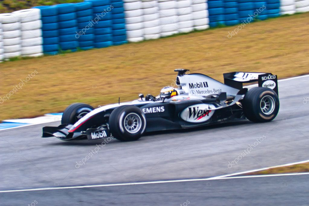 l 39 quipe mclaren mercedes f1 pedro de la rosa 2004 photo ditoriale viledevil 8060832. Black Bedroom Furniture Sets. Home Design Ideas