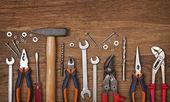 sada různých nástrojů