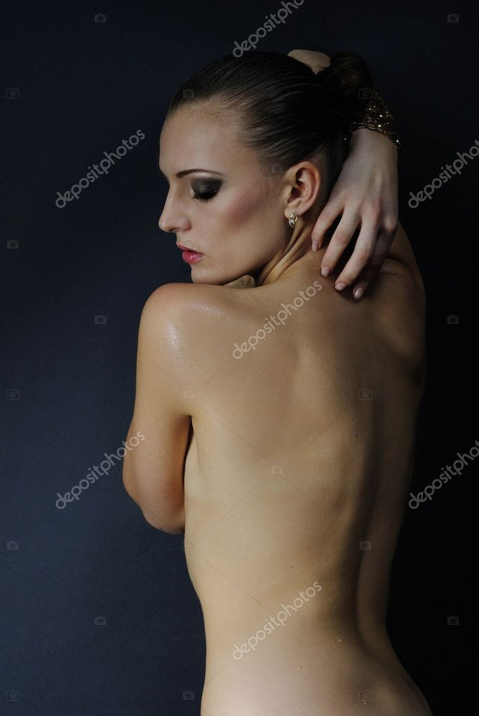 Modle Fille Belle Nacked Avec Corps Humide  Photographie -8269