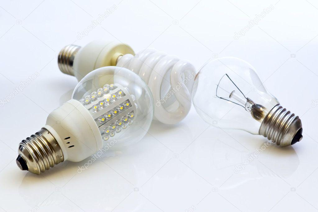 Different types of bulbs E27 (Fluorescent, Wolfram, LEDs ...