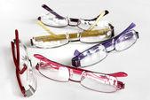 sada oko brýlové obruby