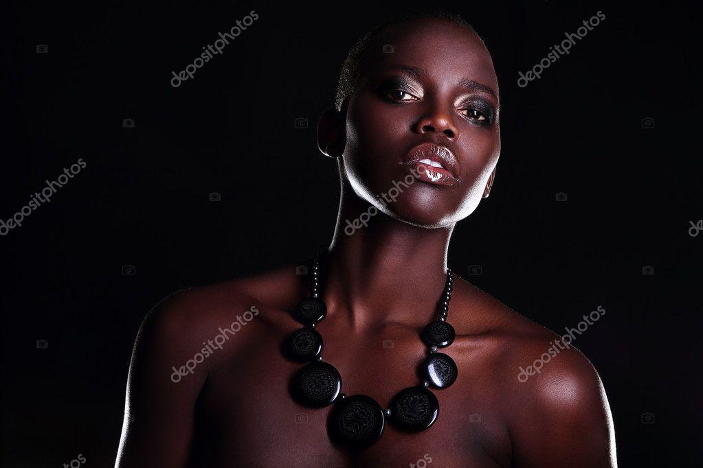 młode czarne nagie zdjęcia