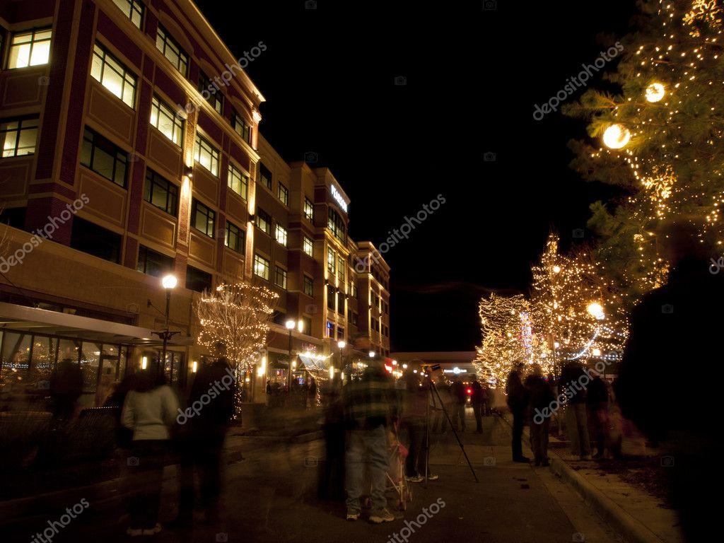 Straße zu Weihnachten — Redaktionelles Stockfoto © urban_light #9599312